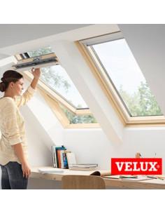 Šilumą taupantis stogo langas VELUX Standard Plus GLL 1055 su rankena viršuje 55x78cm CK02